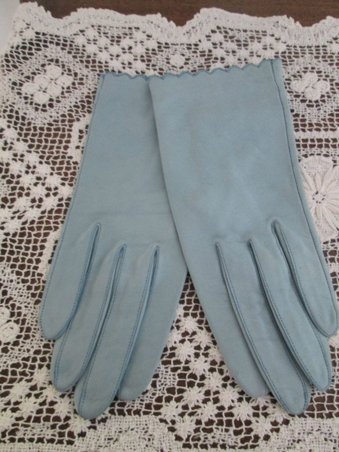 1960's Light Blue Miss Aris Kidskin Leather Gloves/Driving Gloves/Mad Men/Betty Draper  #16011 by ThePeaceGypsy on Etsy