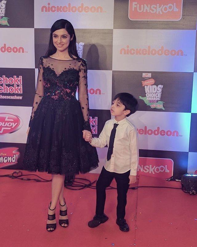 Talented and most beautiful director ever in Bollywood @iamdivyakhosla with her son for nicoledeon kids choice awards. @divyakhoslakumar   Wearing  @moeshour  Styling  @leepakshiellawadi  Assisted by  @rahulnigam27  . #divyakhoslakumar #nicoledeonkidschoiceawards #nicoledeon #stylish #smokinhot #eyes #lips #skirt #instalove #instalike #fashion #fashionaddict #fashionable #fashionista #fashiondiaries