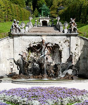 View Of The Cascade With The Neptune Fountain And Music Pavilion Germany Castles Castle Linderhof Palace