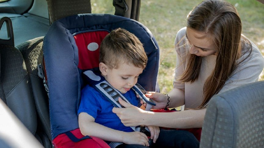 Safety Standards احذر من مقاعد السيارة التي تسبب وفاة الأطفال Baby Seat Baby Car Seats Happy Mothers