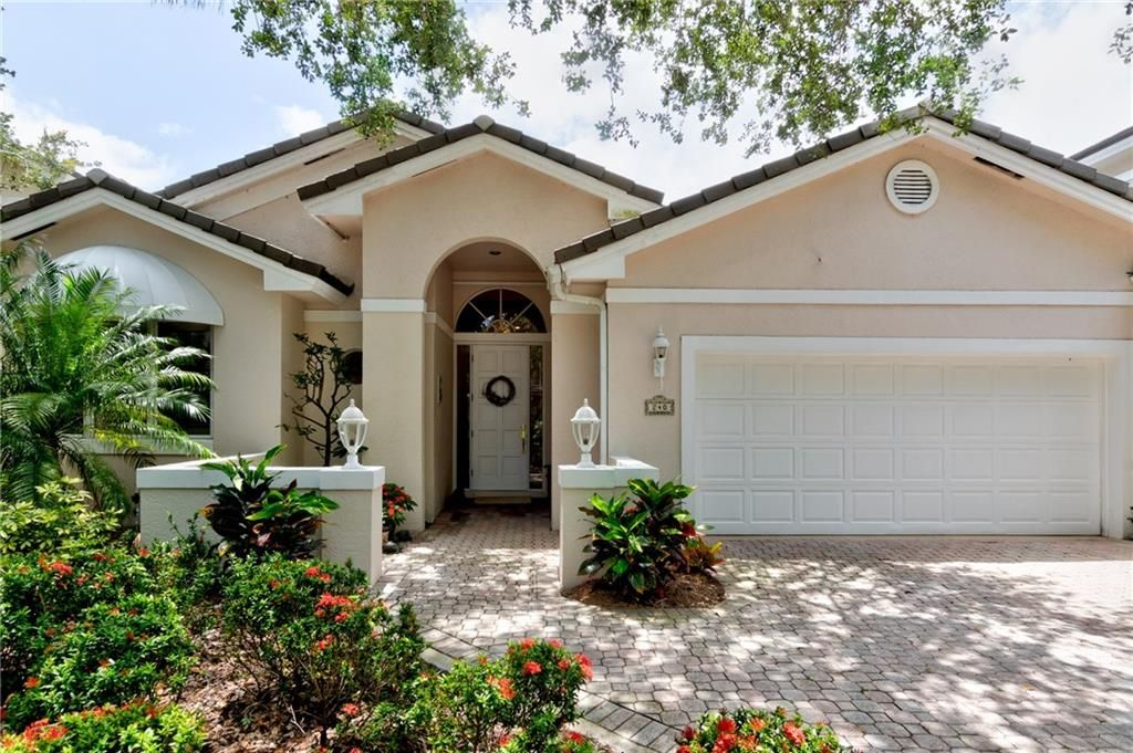 240 North Peppertree Drive, Indian River Shores, FL   Compass in