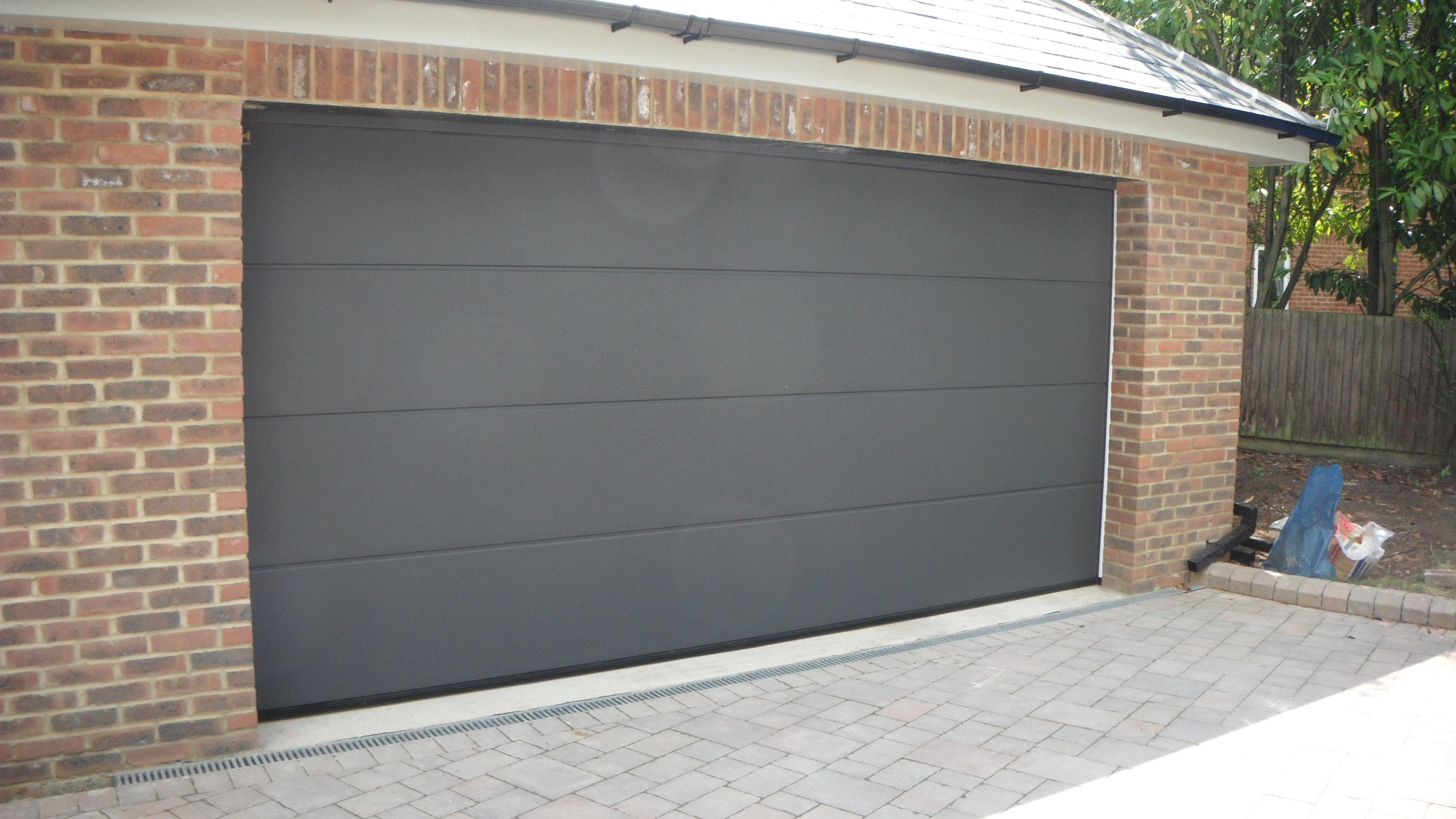 Hormann Titan Silkgrain Sectional Lpu40 L Ribbed Garage
