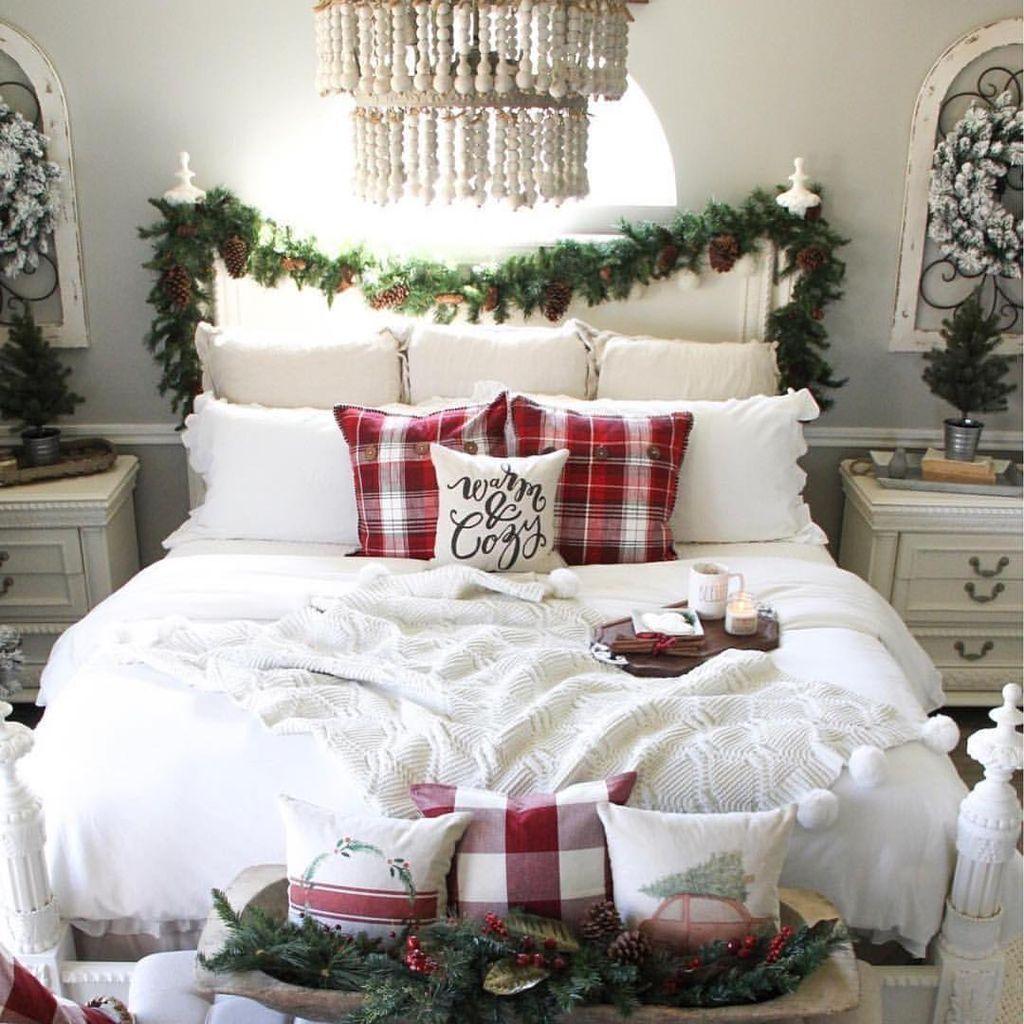 50 Cozy And Cheerful Farmhouse Christmas Bedroom