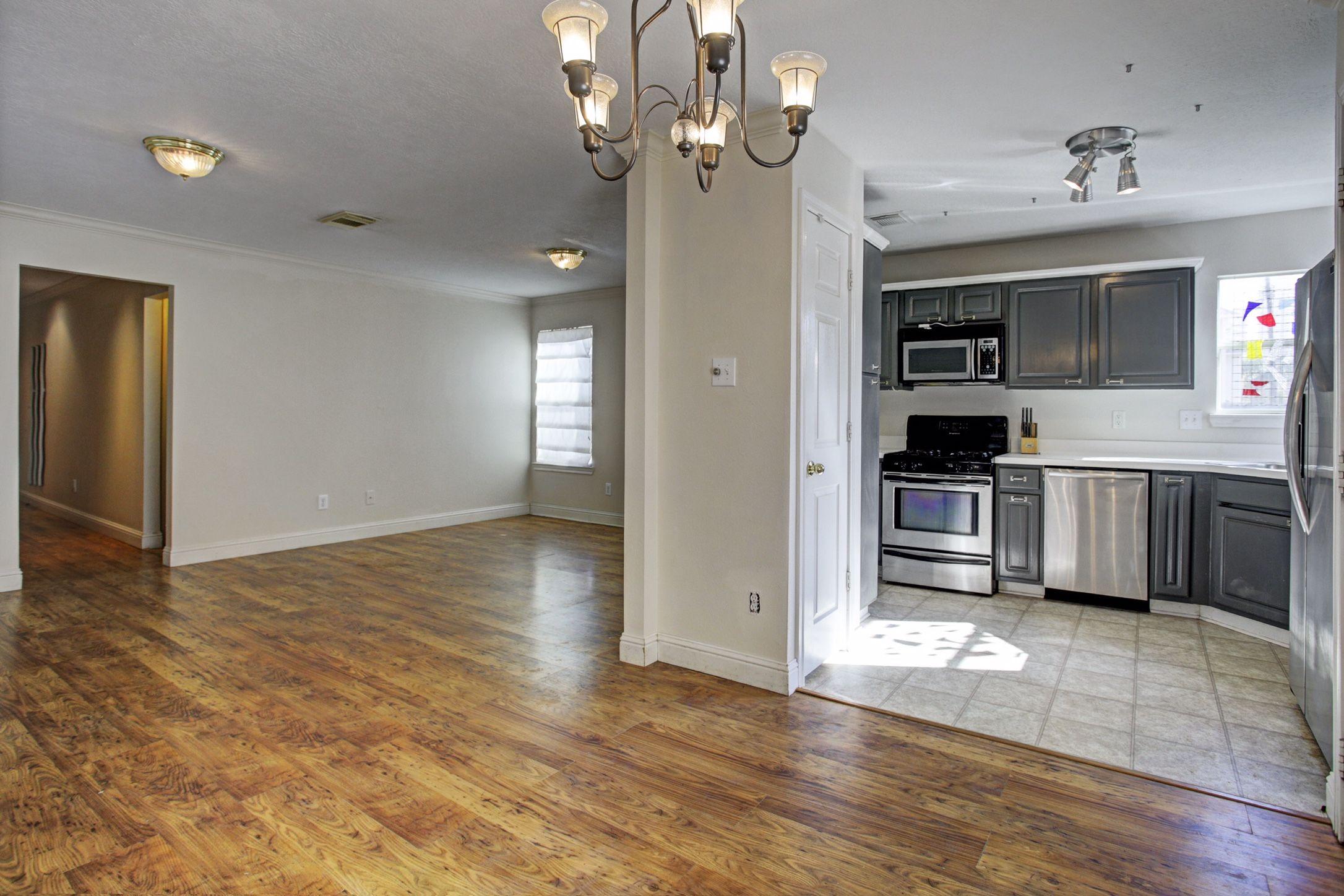 Pin By Tara Bowles On 1309 Ruthven Houston Tx 77019 Kitchen Upstairs Wood Laminate Flooring Wood Laminate