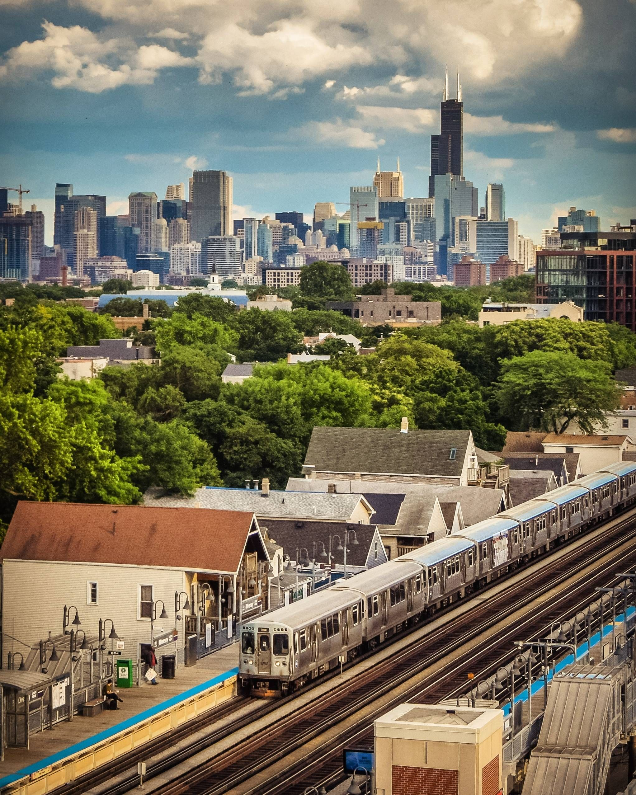 Doors Open On The Right At Diversey [Chicago IL USA] in