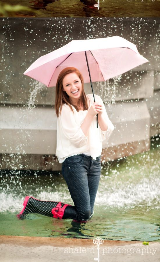 Thats a fountain but pictures in the rain with the umbrella would thats a fountain but pictures in the rain with the umbrella would be awesome ccuart Image collections