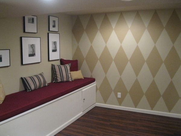 Stella 39 s room how to paint diamonds on wall harlequin - How to get diamonds on design home ...