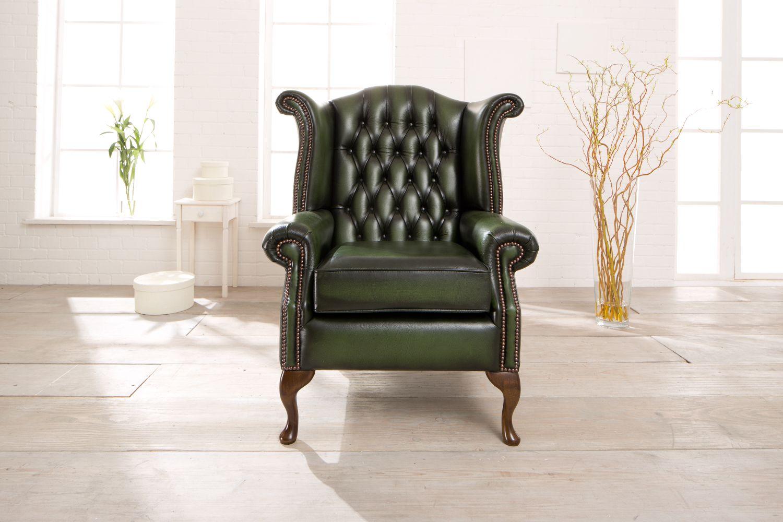 der klassische chesterfield ohrensessel aus england modell queen anne in antik gr n. Black Bedroom Furniture Sets. Home Design Ideas