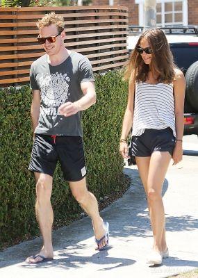 Michael Fassbender & Alicia Vikander Having lunch in the Bondi area in Sydney (December 1st, 2014)