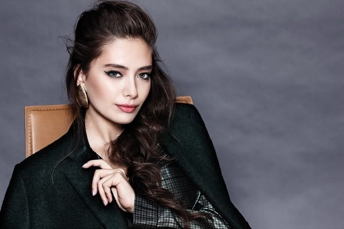 Neslihan Atagul Hollywood Girls Turkish Women Beautiful Beautiful Girl Image