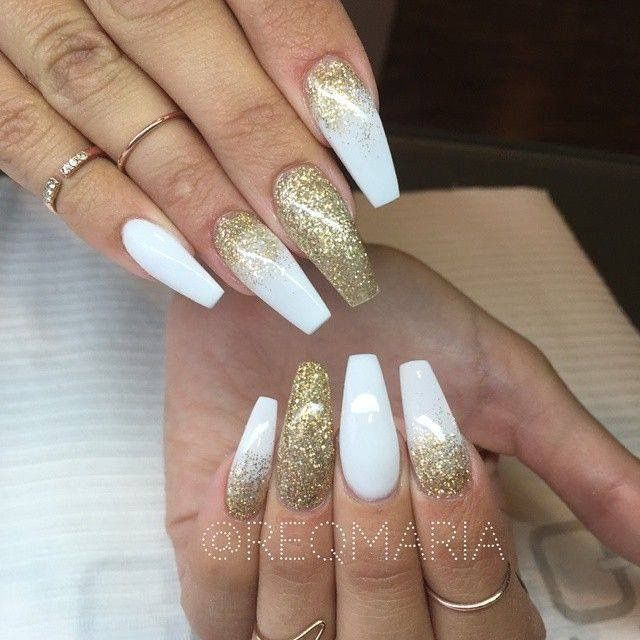 White And Gold Glitter Long Coffin Nails White Acrylic Nails Gold Nails Gold Glitter Nails