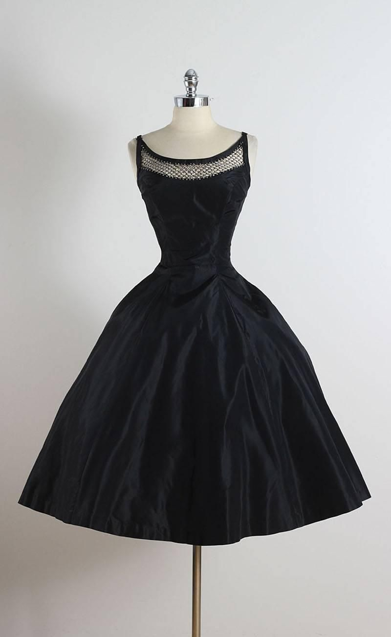 Vintage 1950s Black Rhinestone Lattice Dress 1stdibs Com Vintage 1950s Dresses Vintage Dresses Designer Evening Dresses [ 1302 x 800 Pixel ]