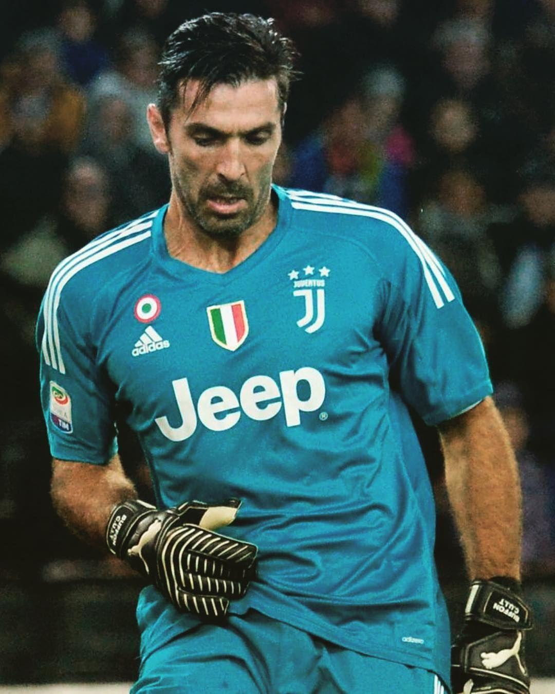 162 Mentions J Aime 2 Commentaires Gigi Buffon Gigi Uno1 Sur Instagram Gianluigibuffon Buffon Mens Tops Mens Tshirts Goalkeeper