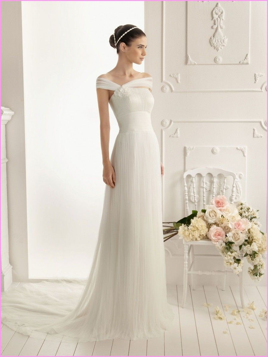 How to decide sheath style wedding dress with different body types