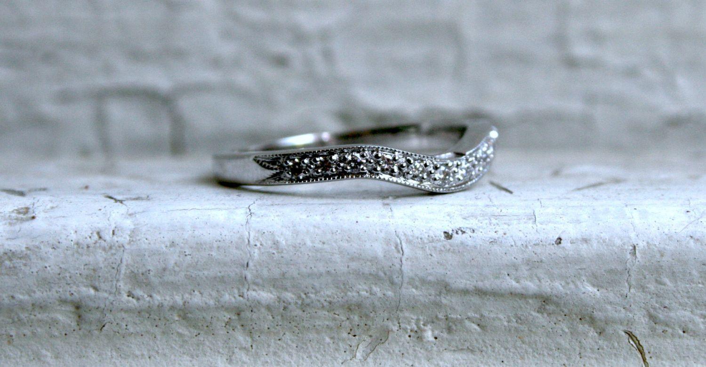 Curved Pave Vintage 18K White Gold Diamond Wedding Band