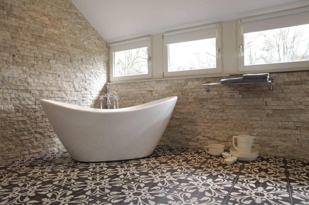 Cementtegels In Badkamer : Stijlvolle #badkamer waarbij onze #cementtegels goed uitkomen bij