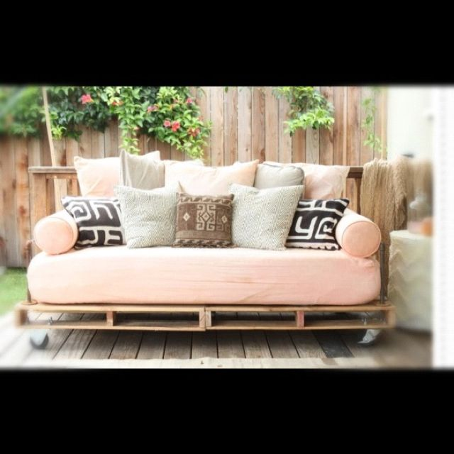 gartensofa aus europalette home and garden pinterest pallet daybed pallet furniture und. Black Bedroom Furniture Sets. Home Design Ideas