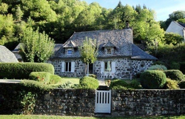 70 Idees De Pays De Salers Cantal Cantal Salers Gite De France