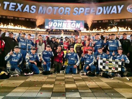 #48 Jimmie Johnson wins a wild finish at AAATEXAS500