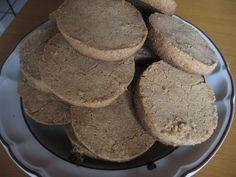 Galletas de pinole  Ingredientes: 1 y 1/2 tazas de pinole (yo lo compré en Wal Mart, está en la sección de las leches en polvo, chocomilk, etc) En la bolsita trae una receta similar que yo modifi…