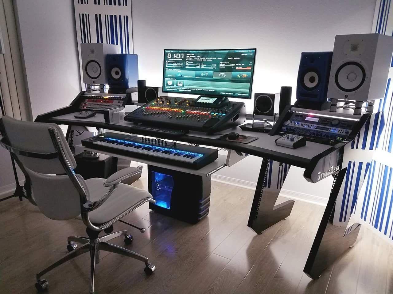 Ongekend Music studio   Home studio desk, Music studio room, Recording MT-59