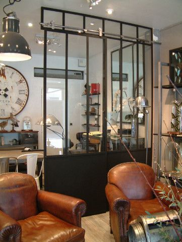 Style industriel ambiance chic et choc at our showroom - Deco industrielle salon ...