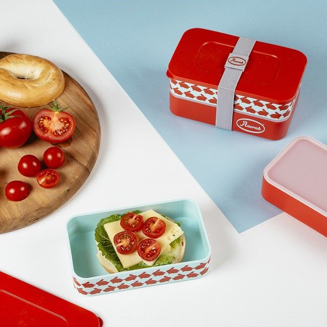 Anorak stacking snack box is perfect for lunch and nibbles. #lunchbox #lunchbag #nibbles #anonorakonline #getoutside
