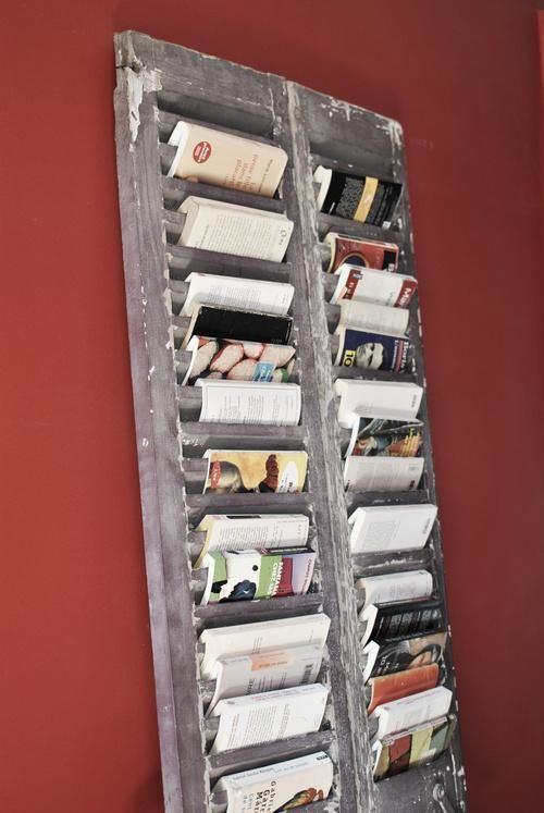 une fa on originale d 39 exposer ses livres et d 39 en faire une deco part enti re ba os. Black Bedroom Furniture Sets. Home Design Ideas