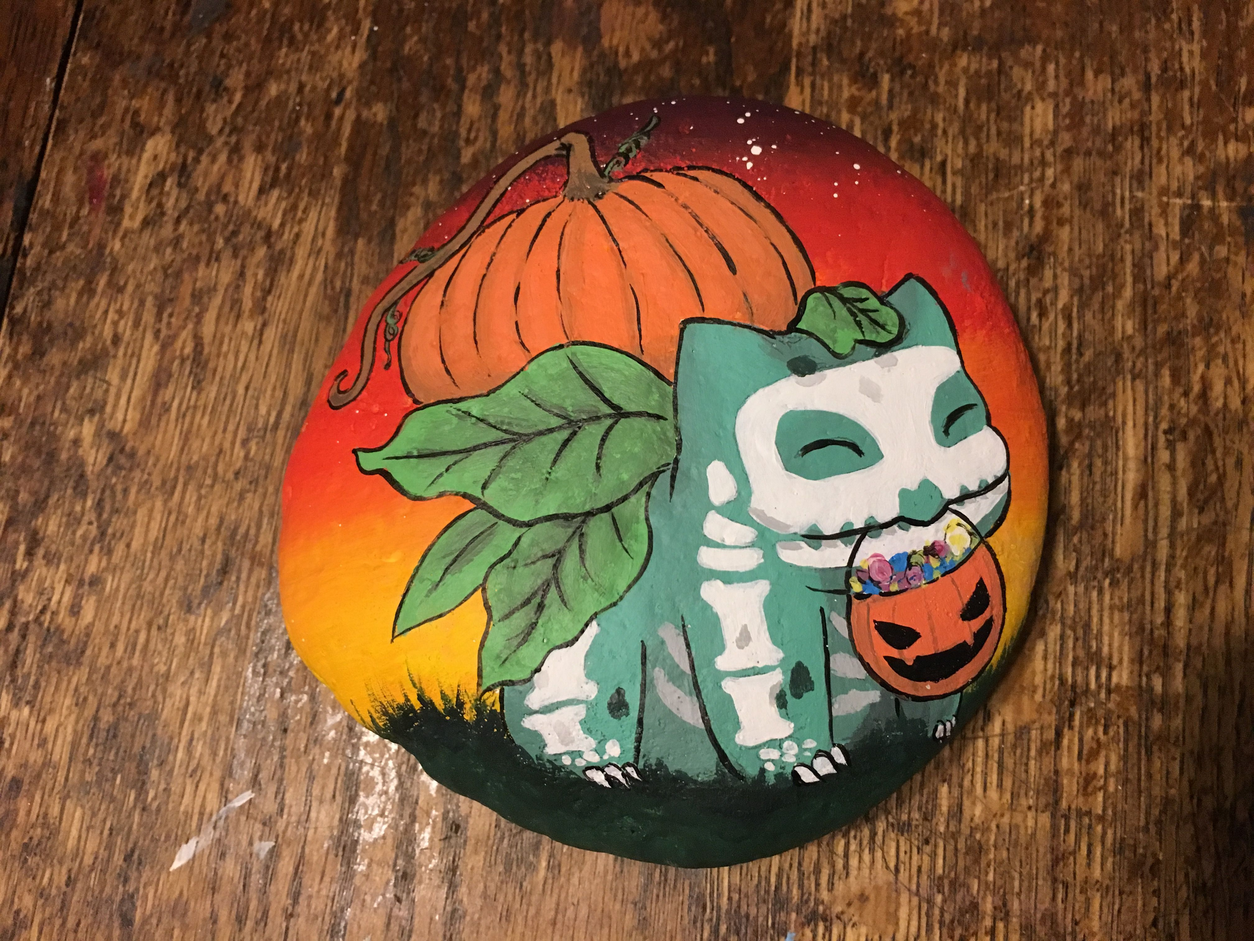 Bulbasaur Ready For Trick Or Treating Rock Painting Designs Painted Rocks Rock Art