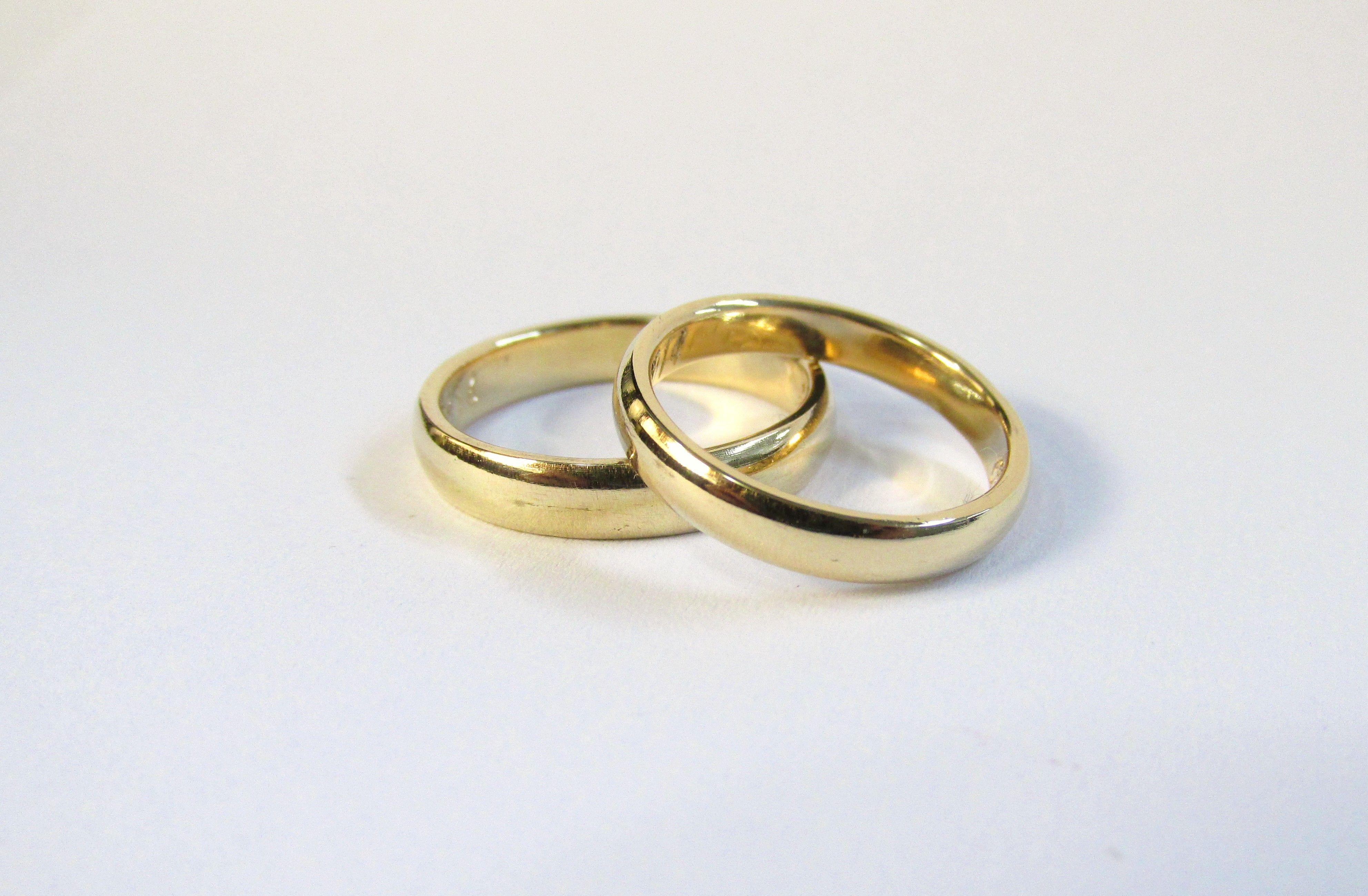 Clasicas Y Elegantes Argollas De Matrimonio En Oro Amarillo De