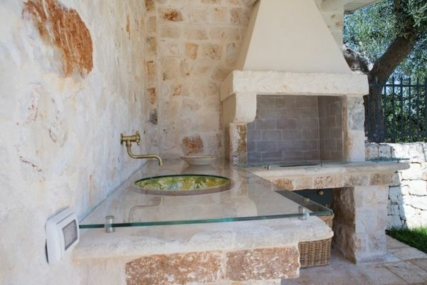 Aménager une cuisine du0027été dans le jardin - cuisine d ete en pierre