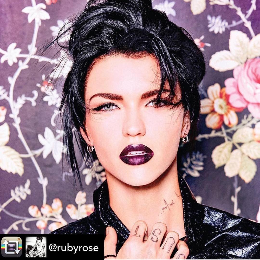 Ruby Rose Pour Urban Decay Urbandecay Makeup Rubyrose Stella Orangeisthenewblack Netflix Ruby Rose Rose Hair Pink Lips
