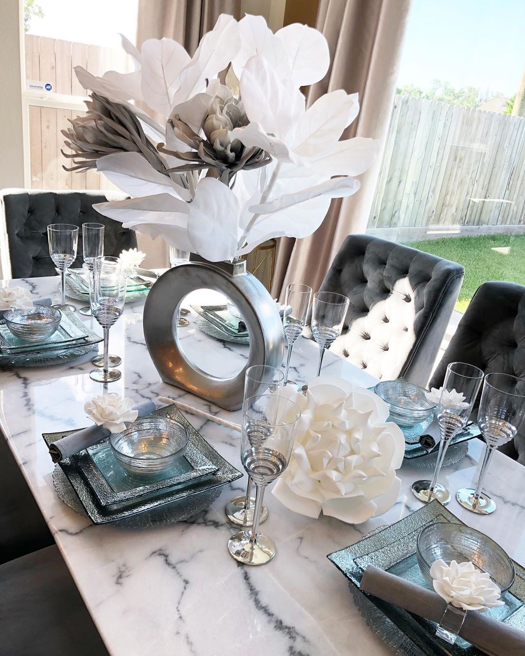 Tamara Bradshaw On Instagram Kitchen Tableware Setup Perfect Blend Of Th Dining Room Table Decor Dining Room Table Centerpieces Marble Tables Design