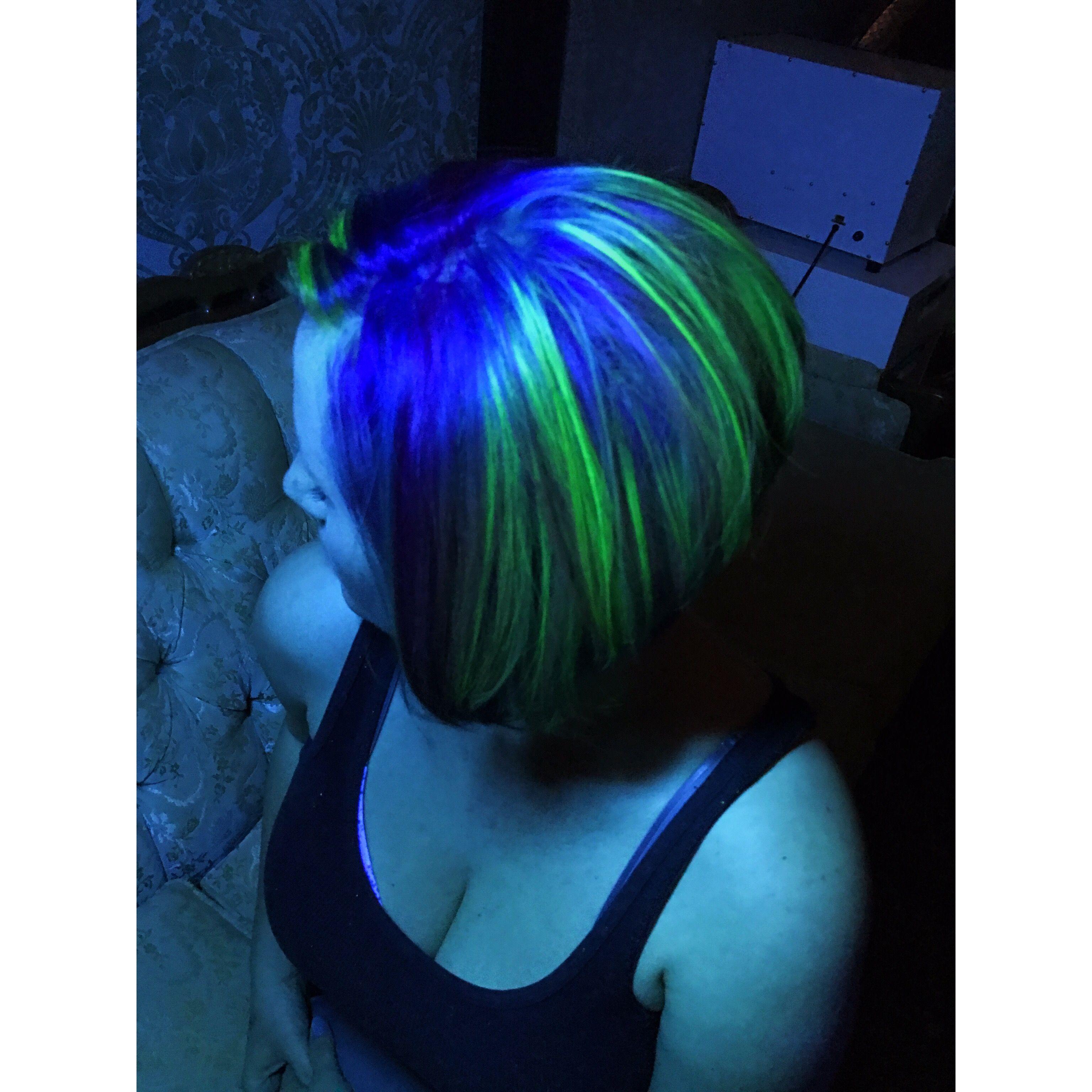 Uv Reactive Hair Color Black Light Hair Pravana Neons Green Hair