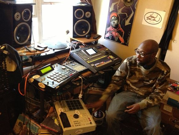 kev brown at his studio with the mpc2000xl mpc2500 sp404 and yamaha aw4416 digital mixer. Black Bedroom Furniture Sets. Home Design Ideas