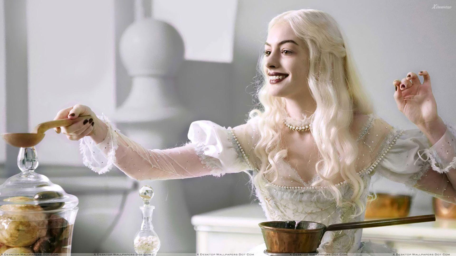 Anne Hathaway Em Alice No Pais Das Maravilhas 2010 Alice In