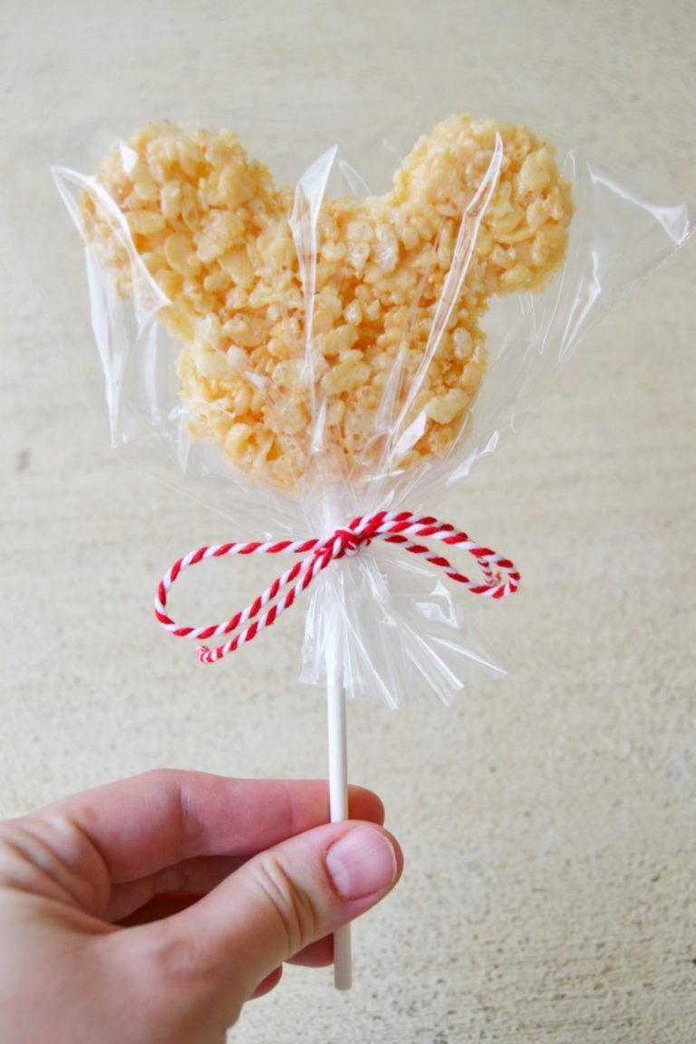Having a Mickey Mouse party? Make these adorable Mickey Mouse Rice Krispie treats on a stick. They are super easy and adorable. Having a Mickey Mouse party? Make these adorable Mickey Mouse Rice Krispie treats on a stick. They are super easy and adorable.