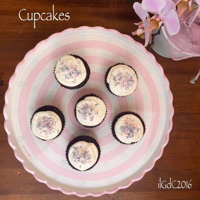 il giardino dei ciliegi: Cupcakes all'orzo tostato con frosting vaniglia e ...