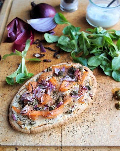 Luxury low calorie recipe for fish on friday smoked salmon pitta luxury low calorie recipe for fish on friday smoked salmon pitta pizza for 5 forumfinder Images