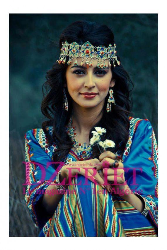 femme kabyle   Algerian woman   Traditional dresses ...
