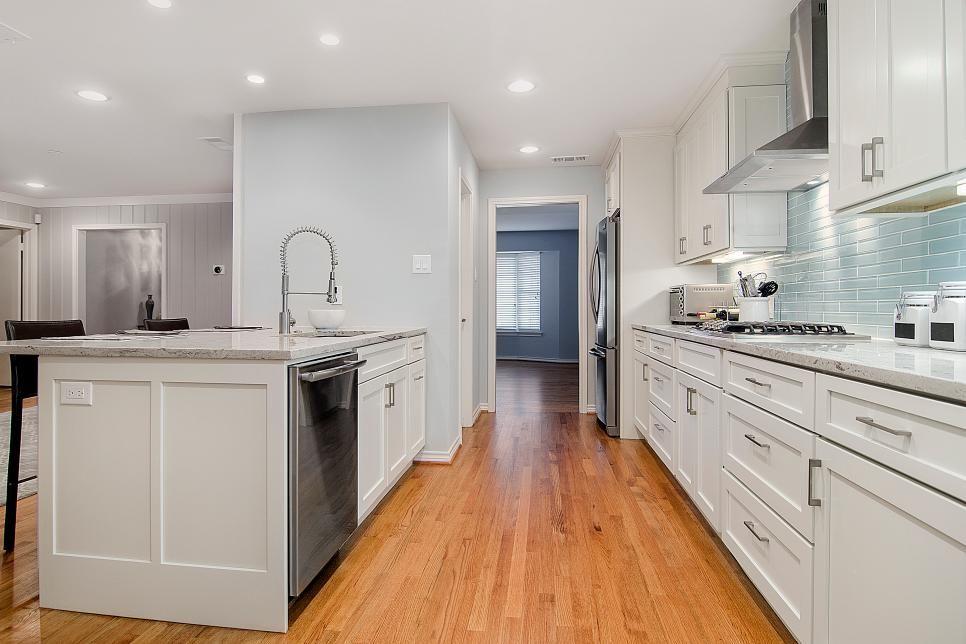 White Kitchen With Oak Floor Wood Floor Kitchen Oak Wood Floors Kitchen Oak Floor Kitchen