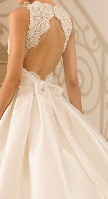 Love the back of this gown
