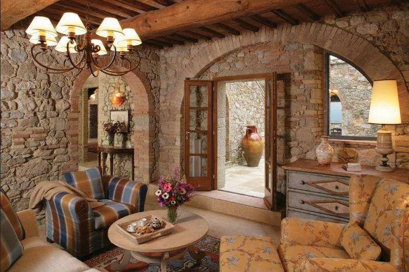 Arredare il soggiorno in stile toscano stile toscano for Aziende arredamento toscana