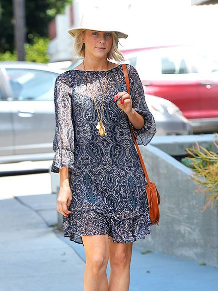 Star Tracks: Monday, April 6, 2015 | PRETTY IN PAISLEY | Julianne Hough dresses perfectly for the perfect weather, wearing a wide-brimmed hat and a chic blue sundress while walking through L.A. on Friday.