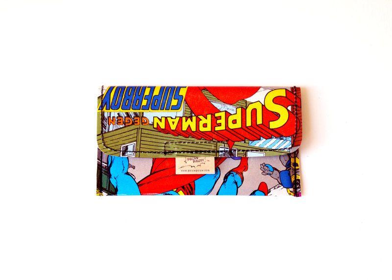 Tabaktasche SUPERMAN DC Comic upcycling Unikat! Tabakbeutel, Tabaketui, Superheld Comic Tasche Recycling handmade in Berlin von PauwPauw auf Etsy