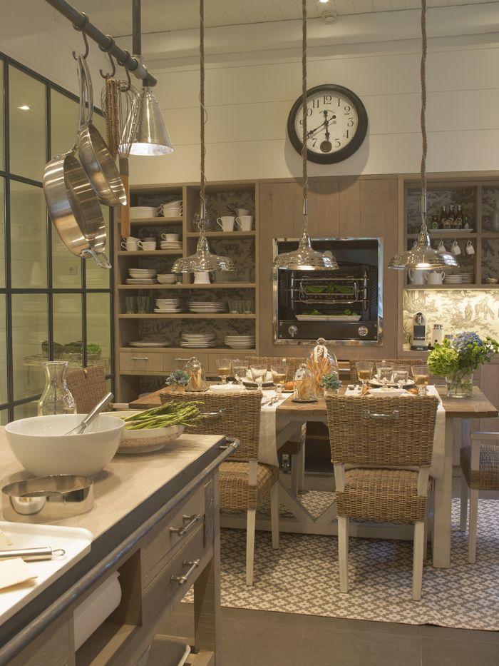 Cocina con comedor y despensa climatizada realizada por deulonder ...