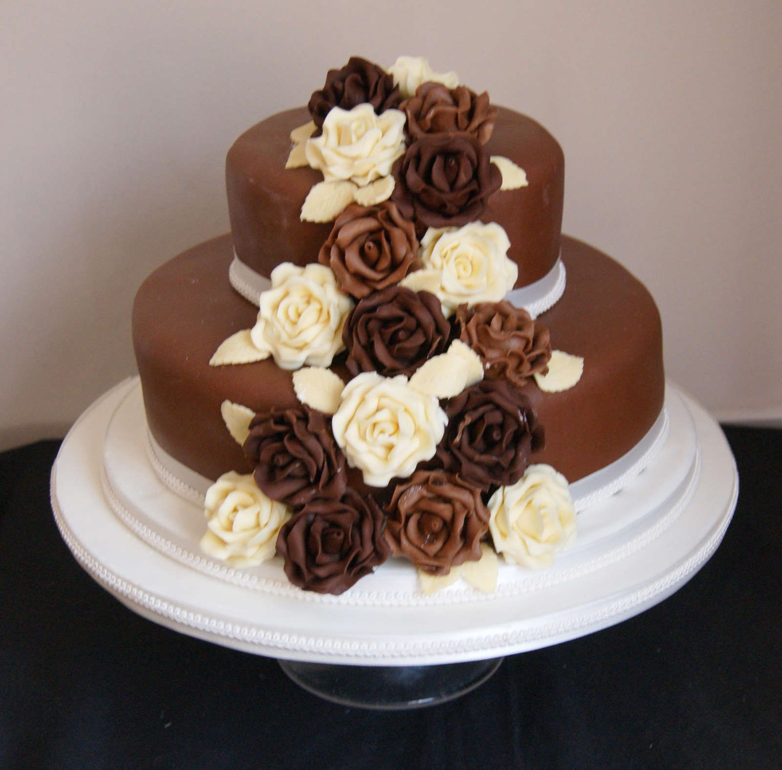 Wallpaper: Simple Wedding Cakes