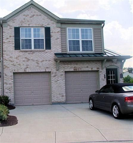 Condominium, Traditional,Attached - Florence, KY