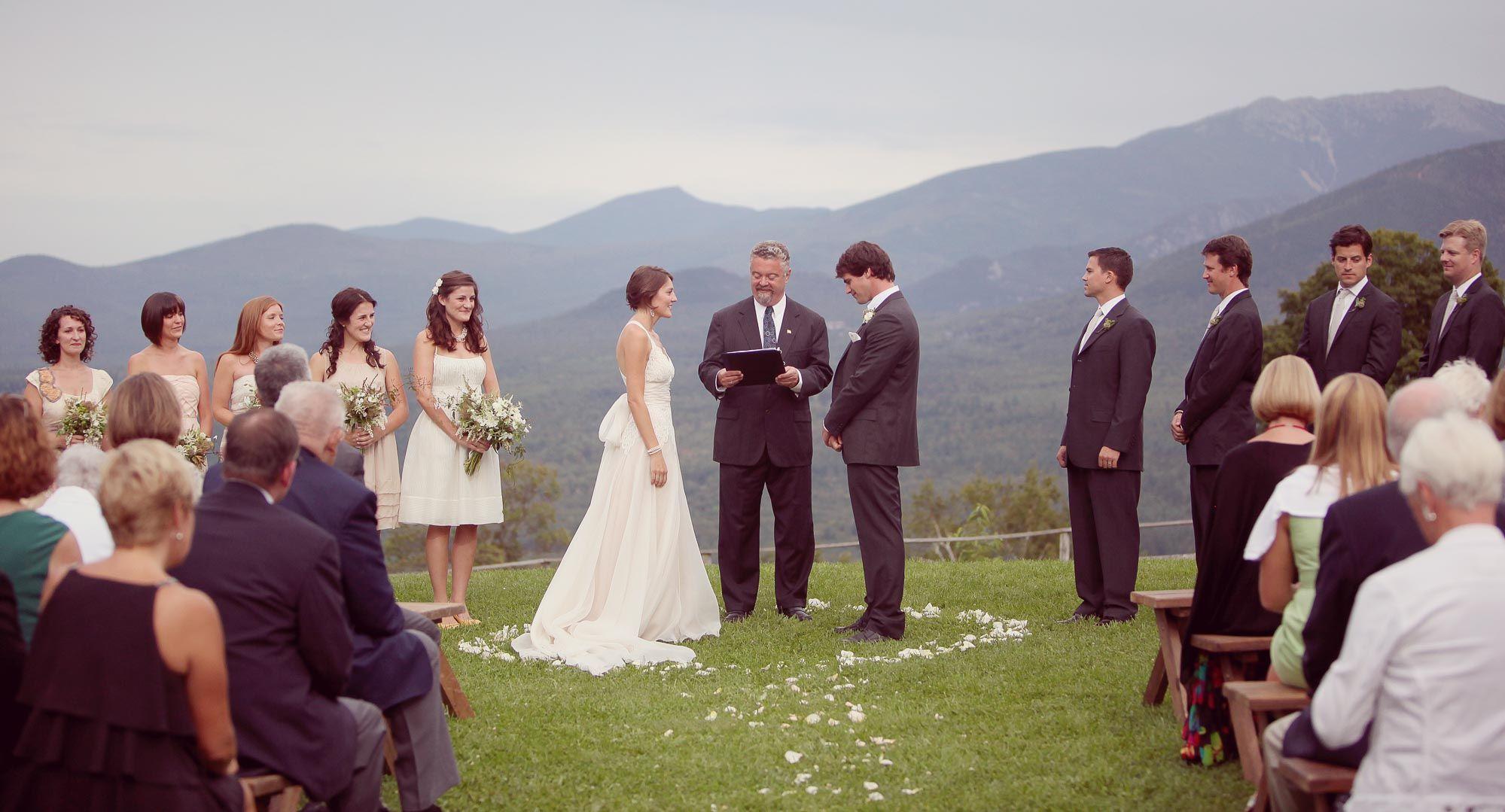 Hier Findet Ihr Wundervolle Beispiele Fur Den Ablauf Der Freien Trauung Lasst Euch Von Den Kreativen Ideen Einer Hochzeitsred Hochzeit Ablauf Trauung Hochzeit