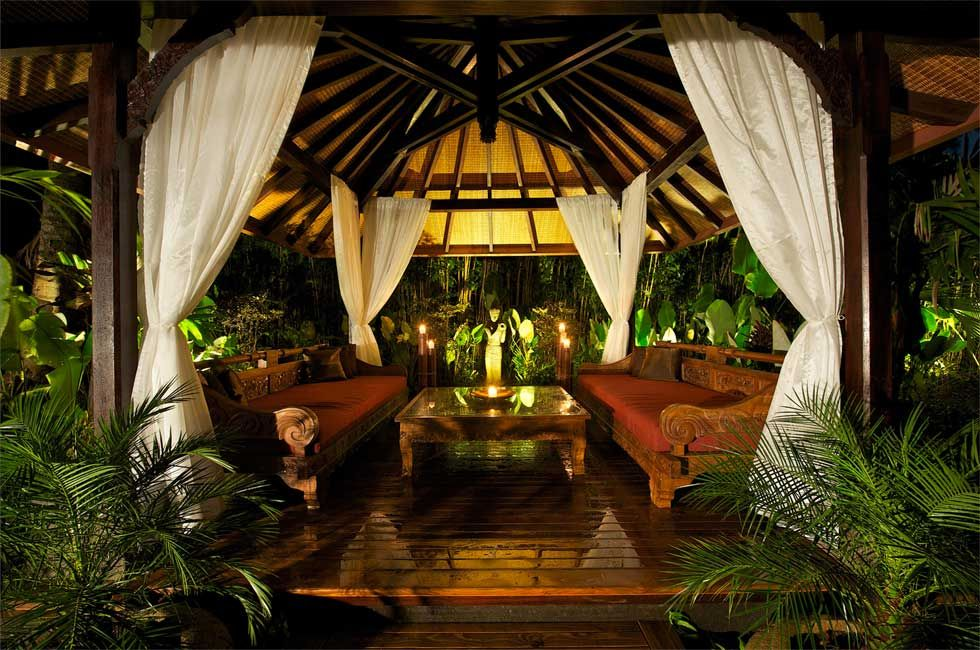 Google Image Result for http://kudetastyle.com/images/outdoors/5-2/flipbook/a--Bali-Style-Gazebo.jpg